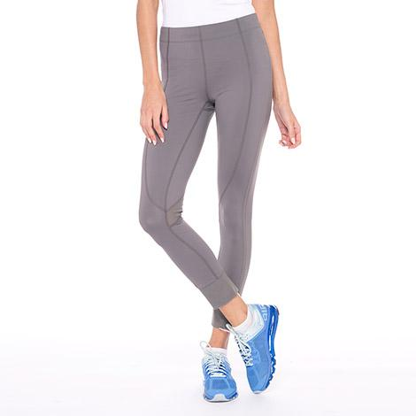 Брюки LSW1356 DASH PANTSБрюки, штаны<br><br><br><br> Dash Pants – это удобные спортивные брюки от легендарного бренда Lole, который создает отличную одежду для активных и уверенных в себе женщин. Облегающая модель LSW1356 имеет длину 7/...<br><br>Цвет: Серый<br>Размер: S