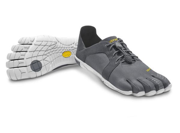 Мокасины Vibram  FIVEFINGERS CVT LS MVibram FiveFingers<br>С облегченной подошвой EVA модель CVT LS становится наиболее удобной для повседневной носки. Вы можете носить их с опущенным задником или под...<br><br>Цвет: Темно-серый<br>Размер: 45