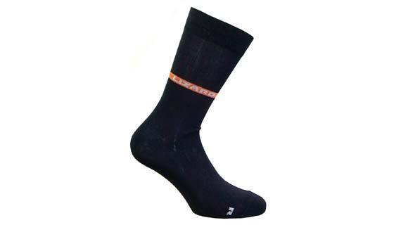 Носки Lizard  SHIELD MIDНоски<br><br> Инновационные носки SHIELD водонепроницаемые и дышащие. Сохранят ноги сухими и теплыми даже в самых неблагоприятных условиях. Победитель OUTDOOR Industry Award 2010 является шедевром технологии. Уникальная технология производства тих носков делае...<br><br>Цвет: Черный<br>Размер: L