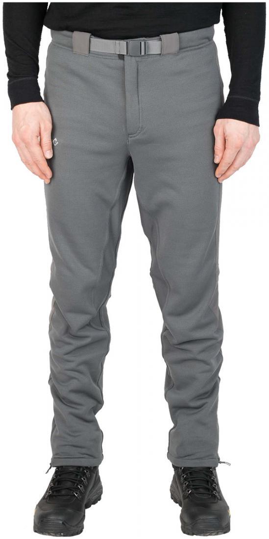 Брюки East Wind СерыйRed Fox<br><br> Теплые спортивные брюки из материала Polartec® Wind Pro® с технологией Hardface®, предназначены для любых видов активности в холодную погоду. Благодаря своим высоким теплоизолируюшим показателям и высокой паропроницаемости, брюки могут быть использованы и в качестве наружного слоя, и в качестве утепляющего слоя в холодную погоду. Устойчивы к налипанию снега, идеально подходят для лыжных прогулок и походов.<br><br><br>основное назначение: Беговые лыжи<br>анатомическая форма коленей для безграничной свободы движений<br>зауженный силуэт брюк<br>удобный регулируемый пояс<br>гульфик на молнии<br>молнии в нижней части брюк<br>антискользящая резинка по нижнему краю брюк<br>задний карман на молнии<br>плоские швы<br>светоотражающие элементы<br>посадка: Athletic Fit<br>материал: Polartec® Wind Pro® with Hardface ® technology, 95 % Polyester, 5% Spandex , 298 g/sqm<br>вес, г: 478 (50 размер)<br><br><br>Цвет: Серый<br>Размер: 48