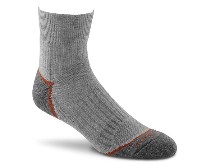 Носки турист.2457 TRAIL QTRНоски<br><br> Тонкие носки с идеальной посадкой. Благодаря уникальной системе переплетения волокон wick dry®, влага быстро испаряется с поверхности кожи, сохраняя ноги в комфорте.<br><br><br>Система URfit™<br>Специальные вентилируемые вставки эффе...<br><br>Цвет: Серый<br>Размер: M
