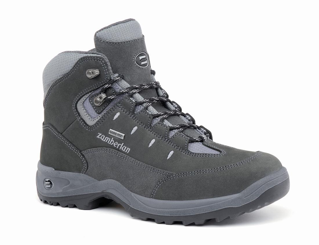 Ботинки 210 OAK GTТреккинговые<br><br> Чрезвычайно комфортные ботинки средней высоты. Оптимальное сочетание сцепления и устойчивости на легких ландшафтах. Верх из нубука с защищенной системой шнуровки. Мембрана GORE-TEX® Performance Confort. Дополнительную амортизацию обеспечивает подош...<br><br>Цвет: Серый<br>Размер: 43.5