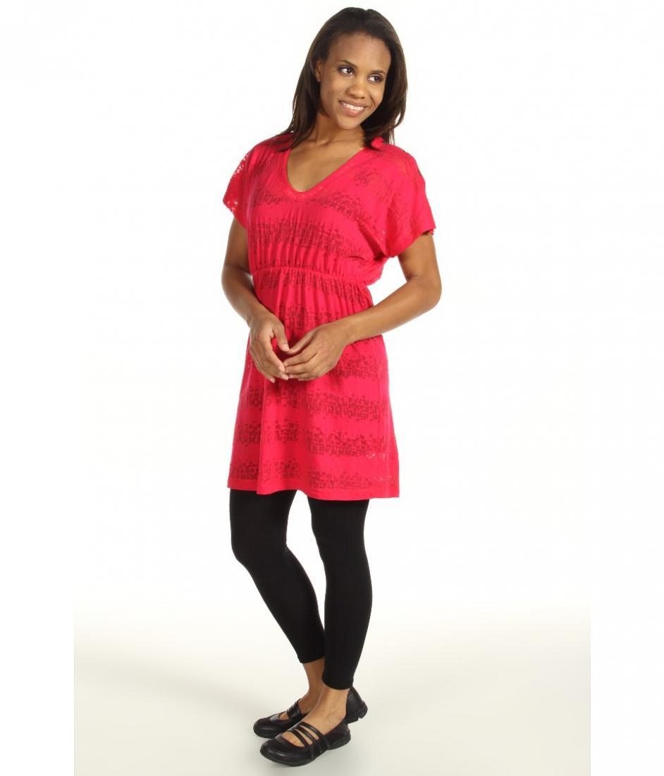 Платье LSW0944 RUMBA 2 DRESSПлатья<br><br> Легкое летнее платье Lole Rumba 2 Dress LSW0944 покоряет своей нежностью и женственностью. Оно невероятно удобное и практичное благодаря высокой устойчивости к ткани к износу и повреждениям.<br><br><br> С помощью эластичной вставки и тонкого плет...<br><br>Цвет: Розовый<br>Размер: M