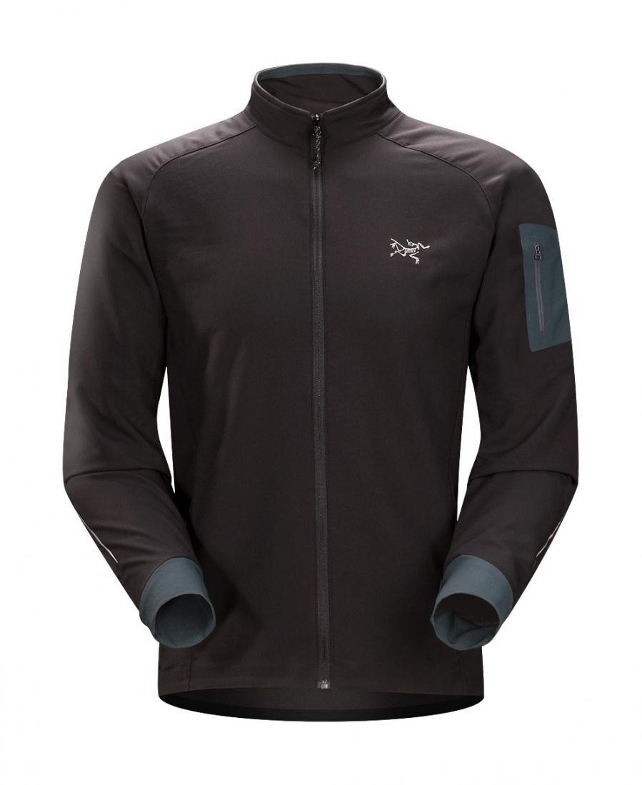 Куртка Accelero муж.Куртки<br><br> Куртка из дышащей и эффективно отводящей влагу ткани предназначена для тренировок и занятий спортом в прохладную погоду. <br><br><br>...<br><br>Цвет: Черный<br>Размер: L