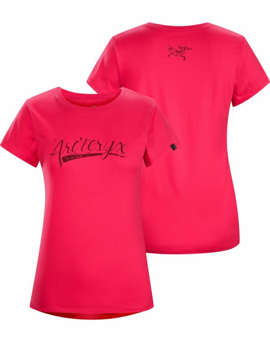 Футболка Script T-Shirt SS жен.Футболки, поло<br>ДИЗАЙН: Футболка из хлопка с короткими рукавами и с рисунком, нанесенным с помощью вытравной печати. Надпись оригинальным шрифтом на груд...<br><br>Цвет: Розовый<br>Размер: M