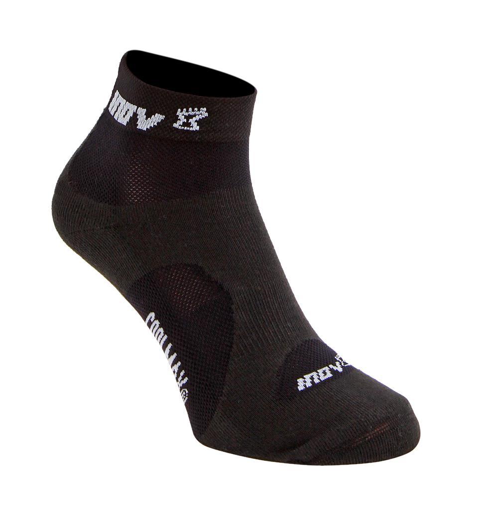 Носки Racesoc midНоски<br>Во время занятий бегом важна не только правильная обувь, но и качественные носки, такие как INOV8 Racesoc mid. Они изготовлены из очень тонкой и легкой ткани и отлично «дышат», что гарантирует максимальный комфорт. Подкладки на подошве увеличивают устойчи...<br><br>Цвет: Черный<br>Размер: M