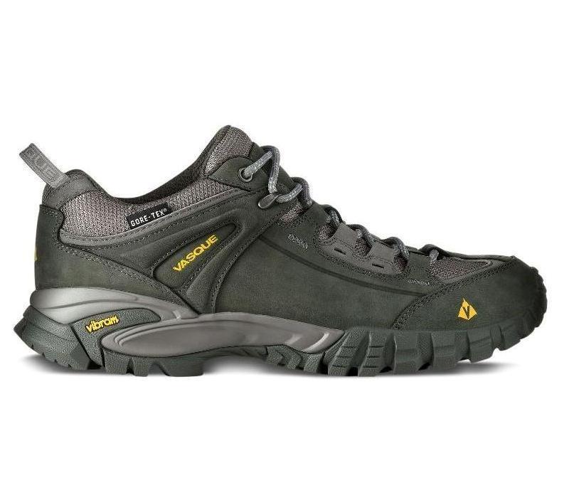 Ботинки трекинговые 7068 Manta 2.0 GTX муж.Треккинговые<br><br>Мужские ботинки Vasque Manta 2.0 GTX специально созданы для горного туризма или походов по пересеченной местности. В них покорение вершин будет ...<br><br>Цвет: Темно-серый<br>Размер: 11.5