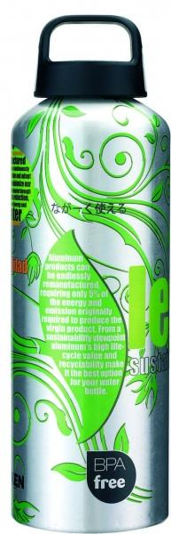 33 Фляга Classic screw capПосуда<br><br> Литровая фляга Classicscrewcap 33 от Laken цилиндрической формы отлично сохраняет температуру напитков или бульонов во время походов. В ее производстве разработчики использовали алюминий, который известен своей прочностью и малым весом. Модель со с...<br><br>Цвет: Зеленый<br>Размер: 1 л