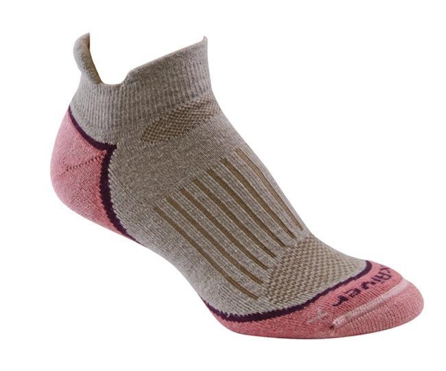 Носки турист.жен. 2555 STRIVE ANKLEНоски<br>Эти тонкие носки из мериносовой шерсти обеспечивают комфорт и амортизацию во время любых путешествий. Носки созданы специально для женской стопы - с маленьким носком и узкой пяткой.<br><br><br>        Система URfit™<br>Специальные вентили...<br><br>Цвет: Коричневый<br>Размер: L