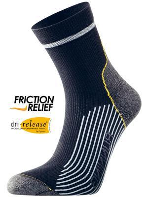 Носки Running Mid ComfortНоски<br>Мы постоянно работаем над совершенствованием наших носков. Используя самые современные технологии, мы улучшаем качество и функциональность носков. Одна из последних инноваций – материал Nano-Glide™, делающий носки в 10 раз прочнее. <br> <br> Dri Relea...<br><br>Цвет: Черный<br>Размер: 34-36