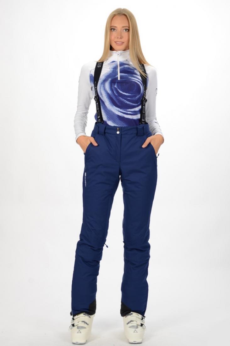 Брюки 22943 жен.Брюки, штаны<br>Профессиональная модель горнолыжных брюк, изделие может комплектоваться со всеми женскими куртками из коллекции CLASSIC SKI GEAR. Модель предназначена для занятий горными лыжами при активном катании.<br><br>материал: Stormlock (Poly Twill 4way ...<br><br>Цвет: Темно-синий<br>Размер: 48