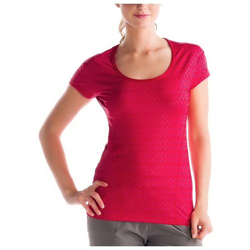Топ LSW1053 CARDIO 2 TOPФутболки, поло<br><br> Удобный топ Cardio 2 Top LSW1053 от канадской компании Lole позволяет женщинам чувствовать себя комфортно и легко во время занятий спортом, путешествий и отдыха. Созданный из прочных, дышащих материалов, он хорошо отводит лишнюю влагу с поверхности...<br><br>Цвет: Красный<br>Размер: XS