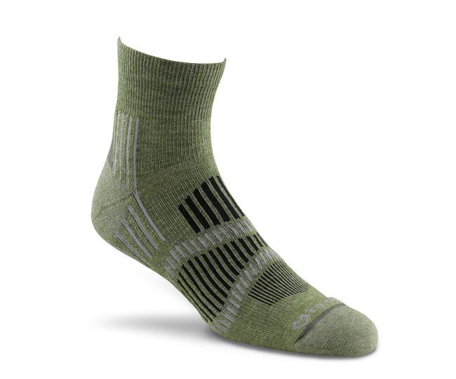 Носки турист. 2337 Stowe Lt Quarter CrewНоски<br>Эти носки foxsox из износостойкого PRIMALOFT® tподходят для любого путешествия. Носки Helix Fit™ fповторяют форму стопы, поддерживая ее во время движения, а подушечка на подошве и усиление в области пятки выдержит длительные нагрузки и испытания.<br>...<br><br>Цвет: Зеленый<br>Размер: L